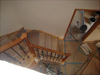 1201階段建築中
