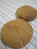 0214全粒分とはちみつのパン