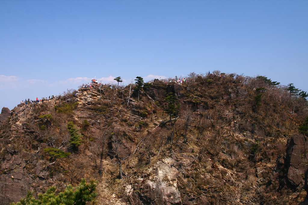 s-傾山山開杉ケ越20090429 087