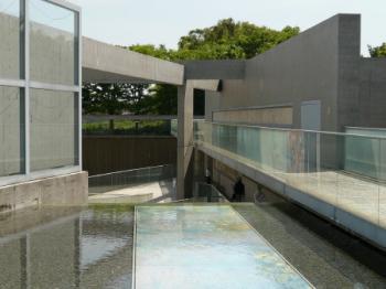 陶板絵画の庭01