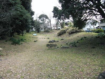 早川の土塁