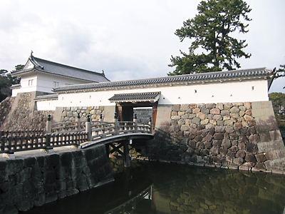 銅門 (2)
