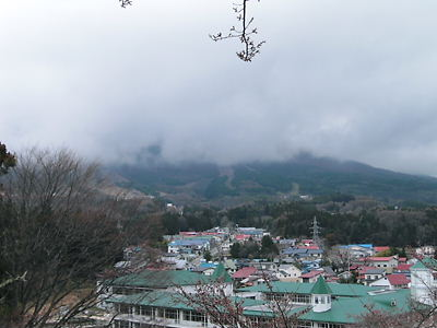 猪苗代城より磐梯山