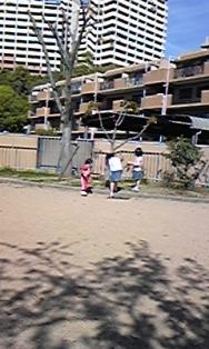 090418近所のお姉ちゃん