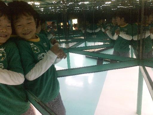 少年科学文化会館・万華鏡の中の人