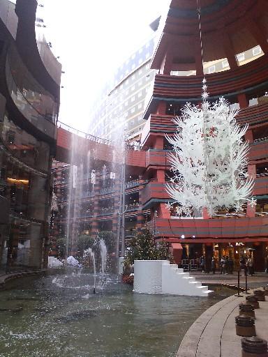 キャナルのクリスマスツリー09と噴水