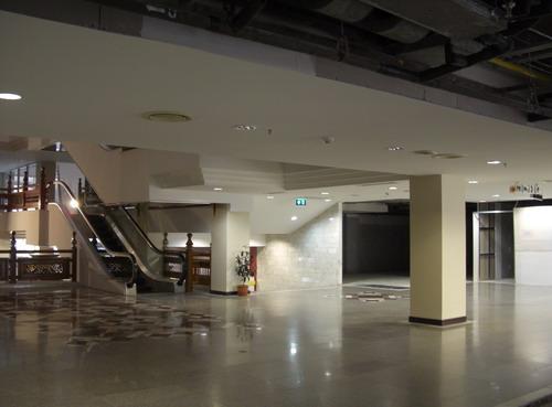 1-plaza33.jpg