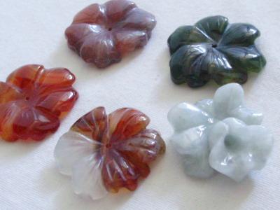 花の彫刻石