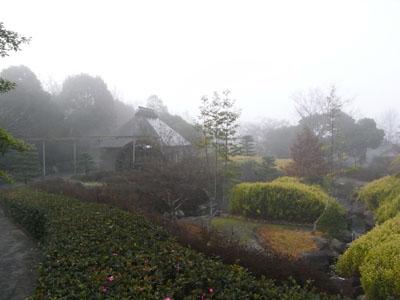 霧の水車小屋01