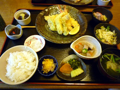 小山町のしあわせ手料理 だいこん亭で大人な和食ランチ♪