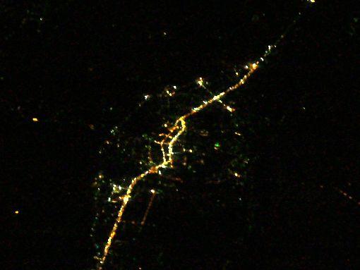 台湾南部の町の夜景