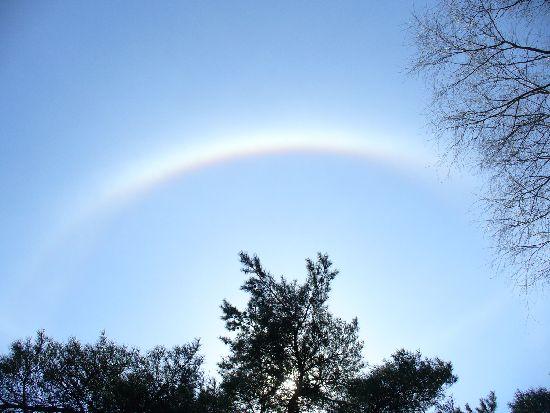 太陽を取り巻く虹2
