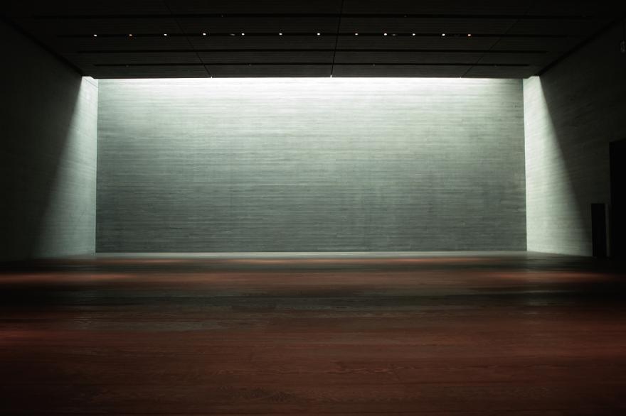 佐川美術館 地下 木 板 舞台 茶室