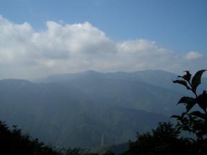丹沢の山並み クリックすると写真は大きくなります。