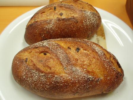 24栗と塩豆のパン