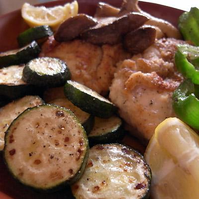 鶏胸肉のソテーと野菜のオイル焼き