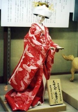 靖国神社の花嫁人形