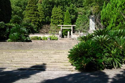 寺の中に鳥居