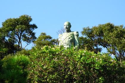 東郷平八郎像