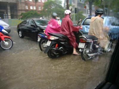 都心洪水2