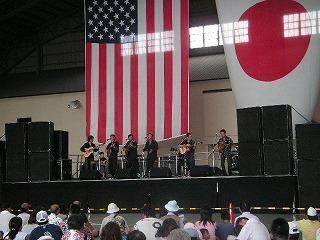格納庫のコンサート