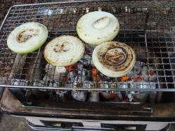 成井さんの玉ねぎも焼きました