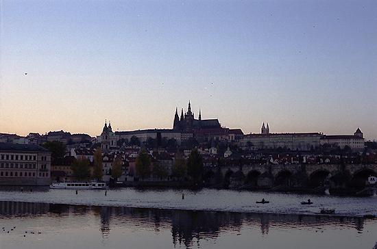 プラハ城夕方