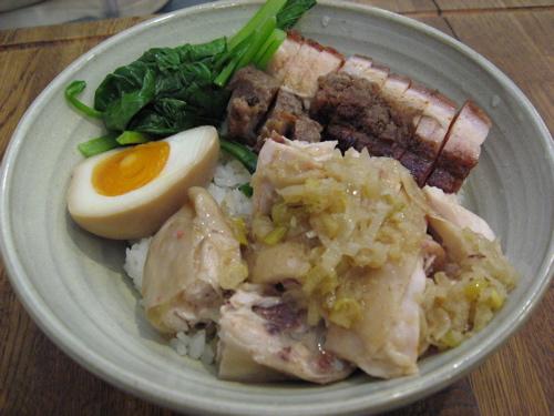 金陵蒸し鶏、皮付き豚丼