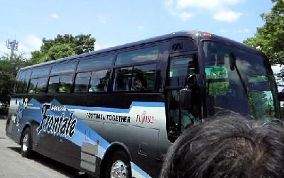 09ファン感選手バス