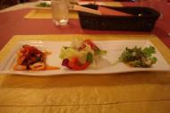 前菜・高原野菜をたっぷりつかったサラダやマリネ3種