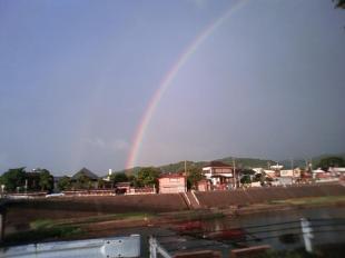 加茂川にかかる虹