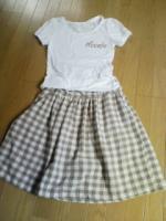Tシャツとスカート