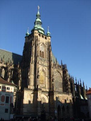 聖ヴィート大聖堂横
