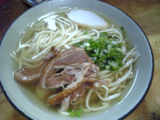 なかや食堂(沖縄そば)