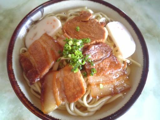 山原そば(三枚肉そば)