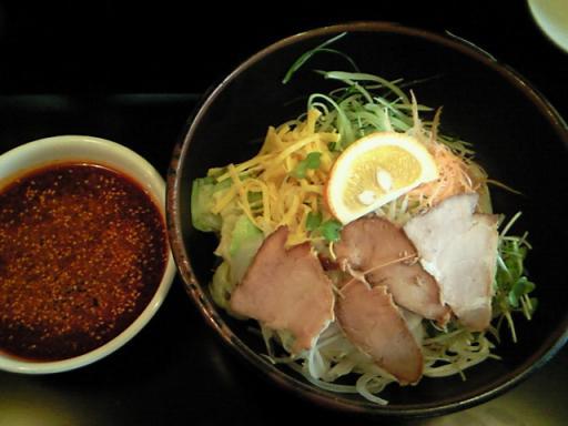 流行屋(つけ麺)