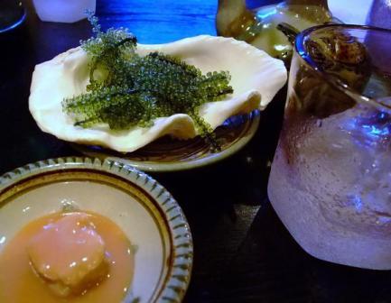 海ブドウー豆腐よう=泡盛