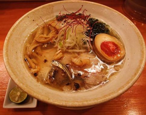 麺元素(魚元素ラーメン)