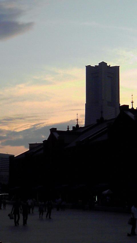 横浜ランドマークタワー夕景