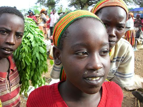 1 girls in konso