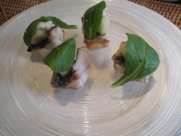 太刀魚の炙り 王林のコンポートとレホール ぬき菜のサラダ
