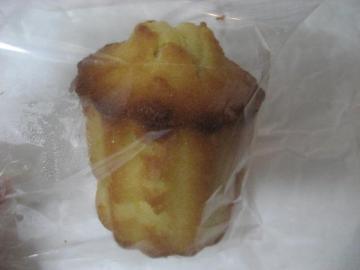 ココナッツカヌレ