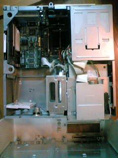 古いパソコンの内部