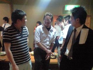 左より新田(裕)さん、佐々木くん、ハンナくん
