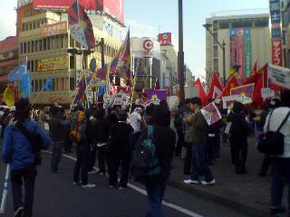 早朝の長野駅前