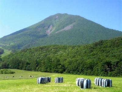 磐梯山牧場から見る磐梯山