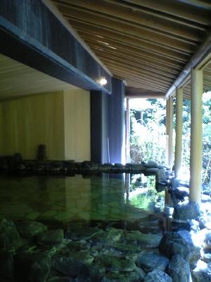 東山温泉「原瀧」の露天風呂