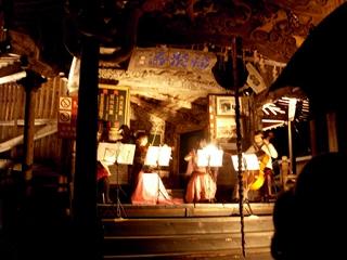 さざえ堂ライトアップ&芸大学生による生演奏@飯盛山
