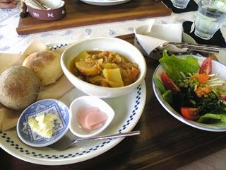 ネパールのビーンズカレー@地球雑貨&自然食カフェ秘凛風来(ペリウィンクル)