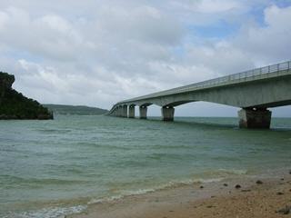 古宇利大橋(屋我地島より)